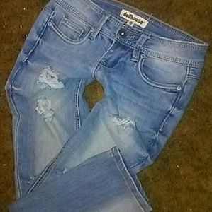 Dollhouse destroyed roll up skinny capri jeans